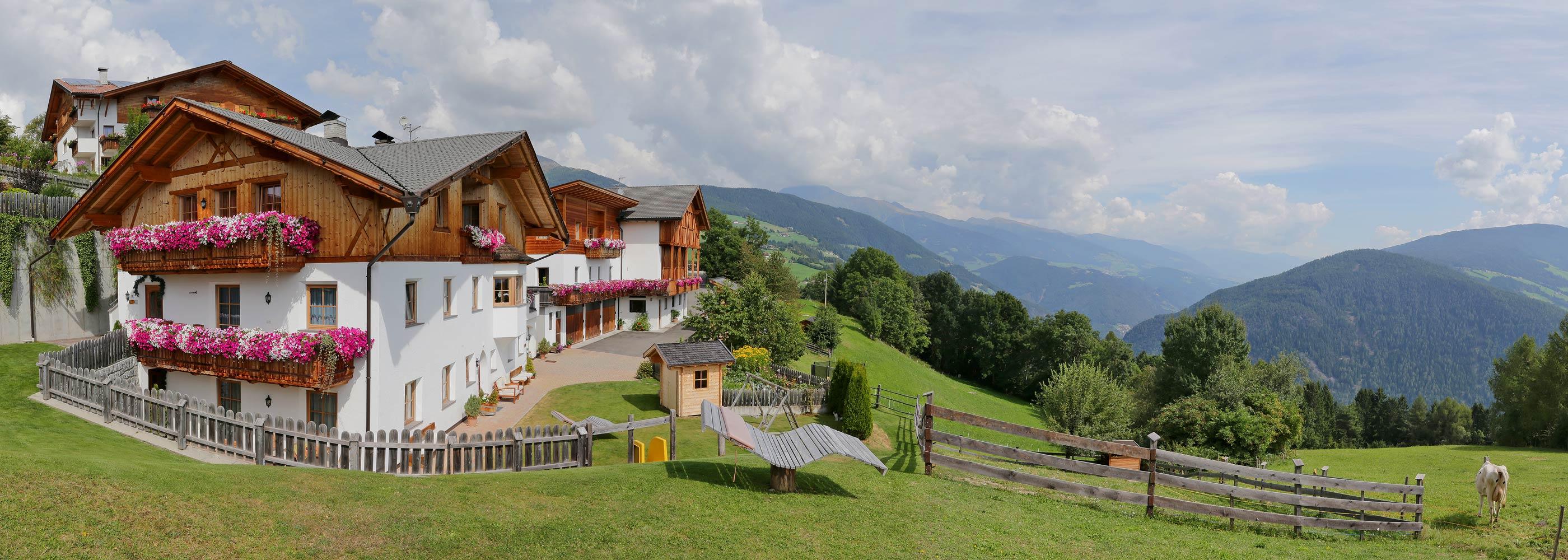 bauernhof-meransen-gitschberg-jochtal-maso-agriturismo-maranza-farm-vacation